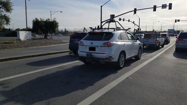 Тестирование беспилотных авто Apple началось сбелого Лексус RX450h