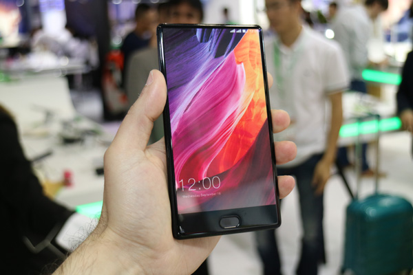 Смартфон Leagoo T-MIX
