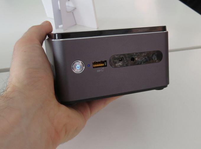 Мини-ПК Acer Revo Cube располагает беспроводной зарядкой