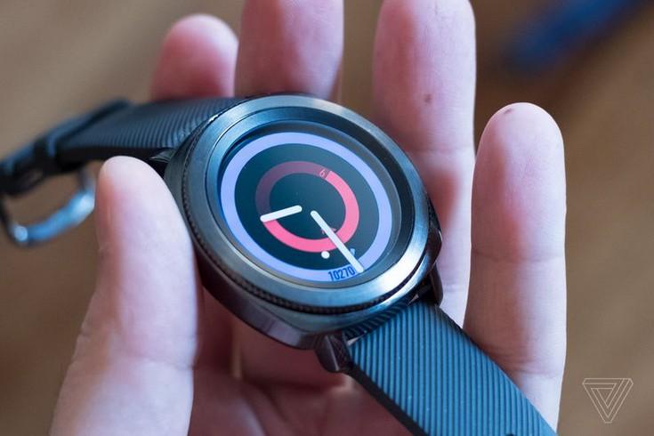 Представлены спортивные умные часы Samsung Gear Sport