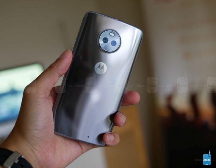 Moto X4 представлен официально