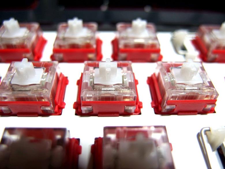 В клавиатуре i-Rocks K76M Plus используются фирменные малошумящие переключатели