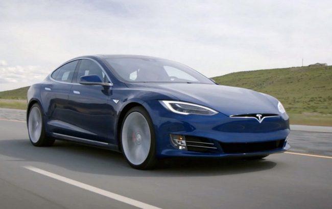 Tesla Model S100D проехала неменее тысячи километров без подзарядки