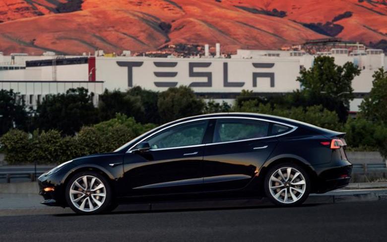 Пузырь Tesla продолжает надуваться