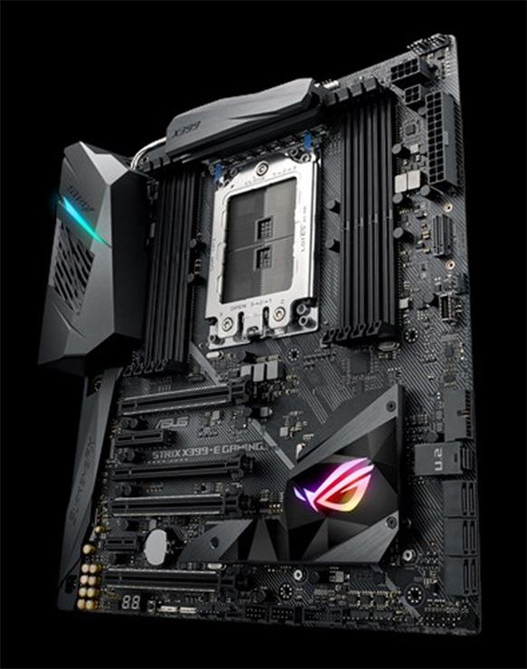 Плата Asus ROG Strix X399-E оснащена четырьмя слотами PCIe 3.0 x16, одним слотом PCIe 4x и одним слотом PCIe 1x