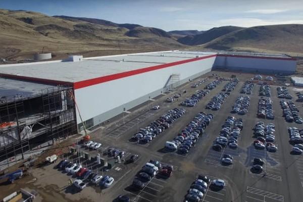 Проблемы Gigafactory привели к мировому дефициту цилиндрических аккумуляторов