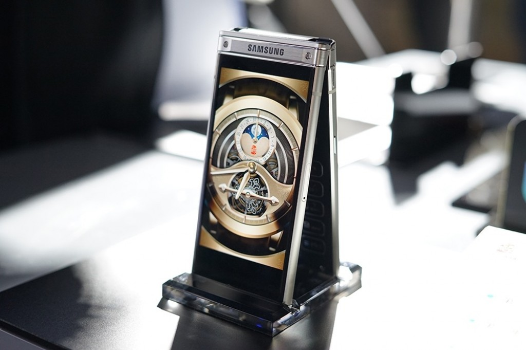 Диафрагма F/1,5 — максимальная среди объективов камер, используемых в смартфонах