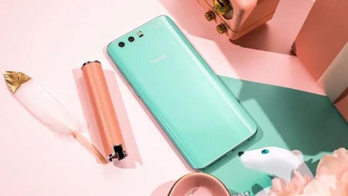 Появилось новое изображение телефона Huawei Nova 2S
