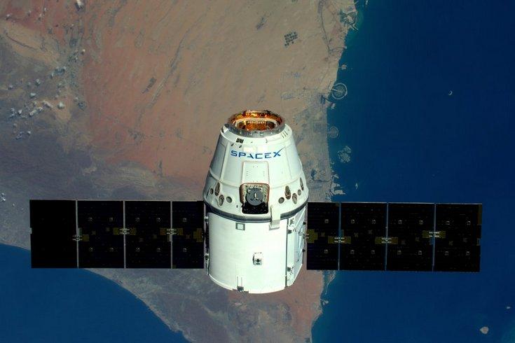 SpaceX Dragon не состыковался с МКС, но попробует ещё раз завтра