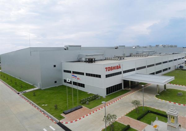 Toshiba продаст контрольный пакет акций, чтобы производить мобильные чипы