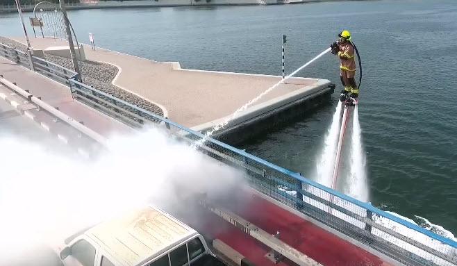 Дубайские пожарные получат водные скоростные ранцы