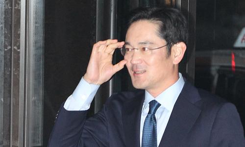 Южнокорейский суд отвергнул запрос прокуратуры наарест фактического руководителя Самсунг