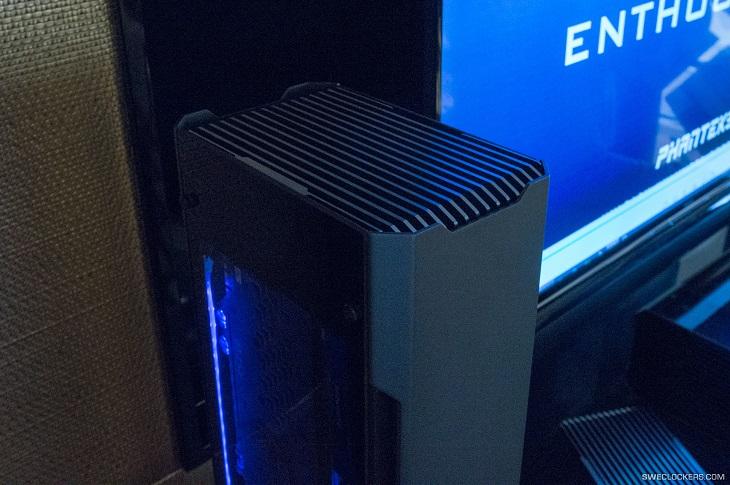 В корпусах Phanteks Project 217 и 217S видеокарта не подключена напрямую к системной плате