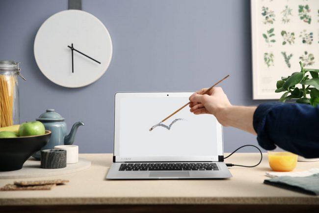 Аксессуар Air Bar для Mac Book Air которые наделяет дисплей сенсорной функциональностью оценен в $99