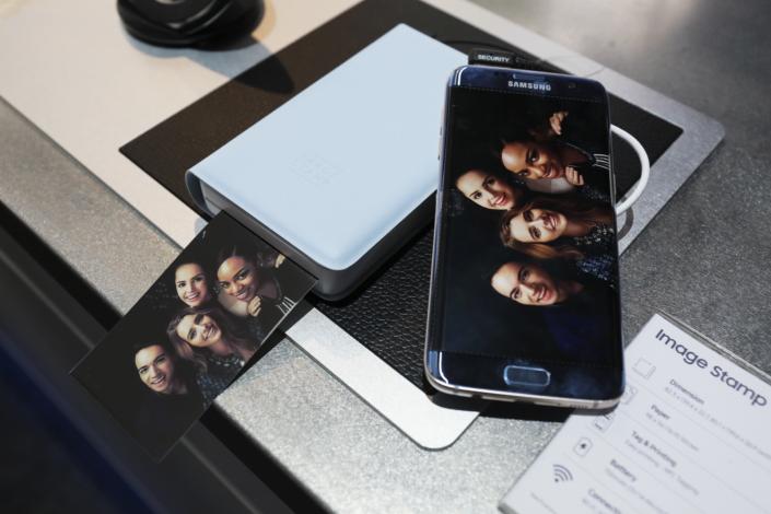 Samsung представила пару разных мобильных устройств