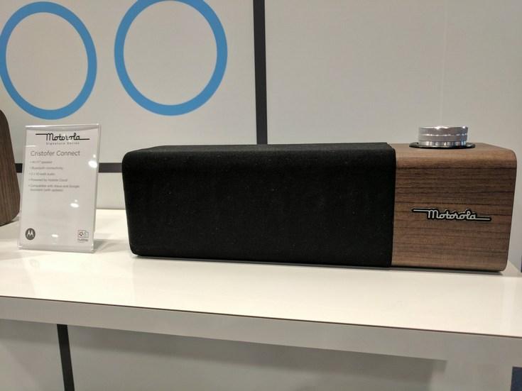 Motorola Cristofer Connect — умная акустическая система с поддержкой Alexa и Google Assistant, выполненная в стиле ретро