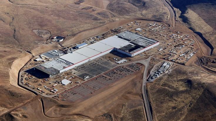 На заводе Tesla Gigafactory будут производить также некоторые детали для автомобилей Model 3