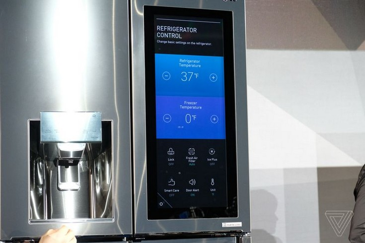 LG наделила свой новый умный холодильник поддержкой голосового помощника Alexa