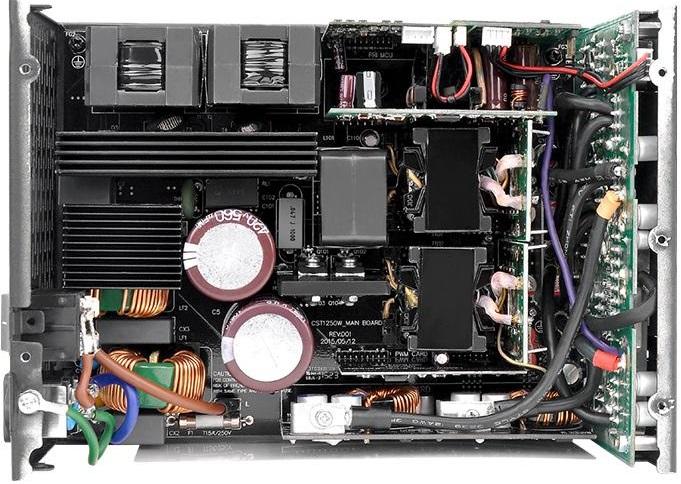 БП Thermaltake TPG-1250DH3FCT имеет сертификат 80 Plus Titanium