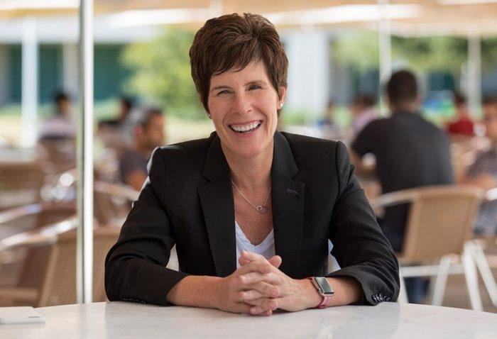 Дейрдре О'Брайан (Deirdre O'Brien) стала новым вице-президентом Apple