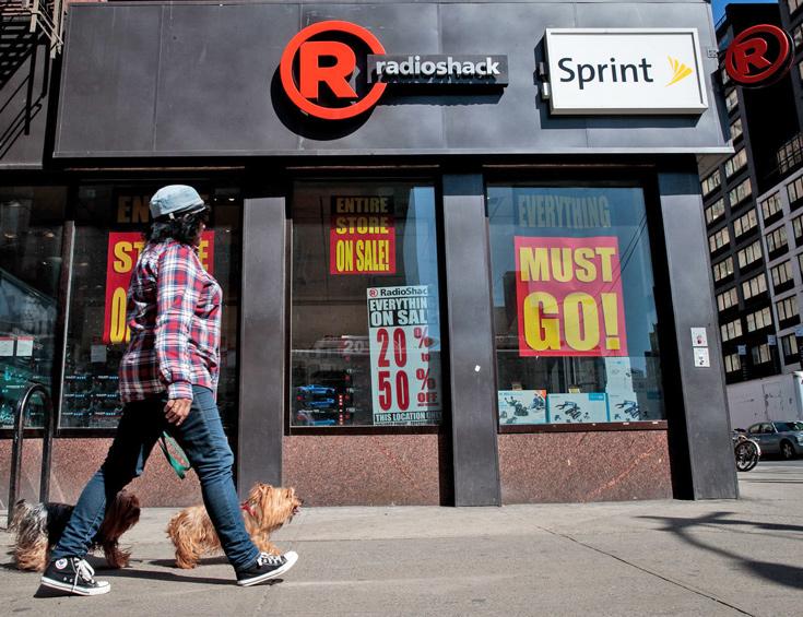 По мнению кредиторов RadioShack, компания Sprint нарушила условия договора