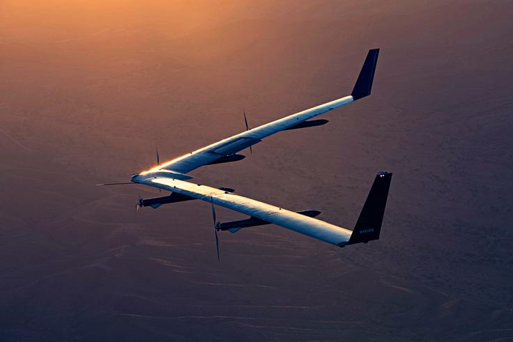Фейсбук впервый раз провела успешное испытание своего беспилотника Aquila