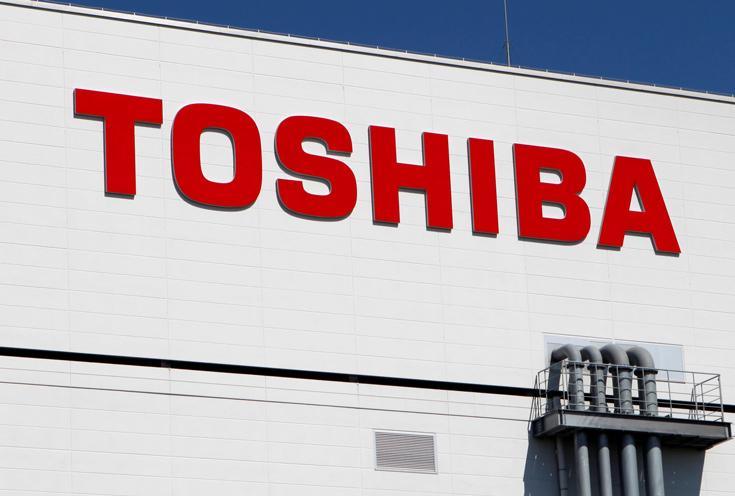 Foxconn надеется на помощь Apple и Amazon в покупке полупроводникового бизнеса Toshiba