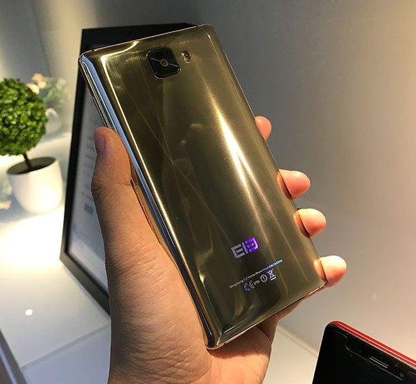 Винтернете появились фотографии золотого Elephone S8