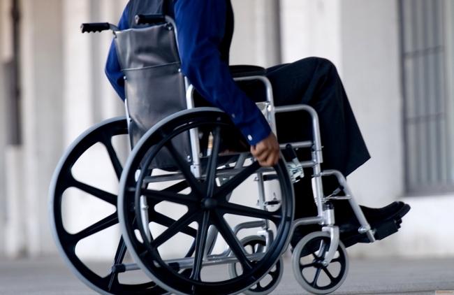 Инвалид-колясочник, работавший в Samsung, украл и продал 8474 смартфона