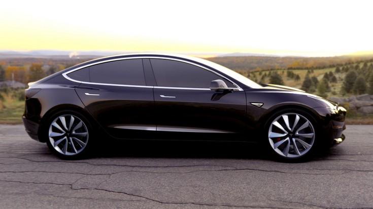 Tesla продаёт акции, готовясь к старту Model 3