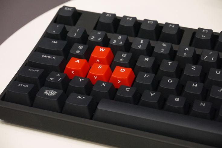 В ней используются переключатели Cherry MX Green