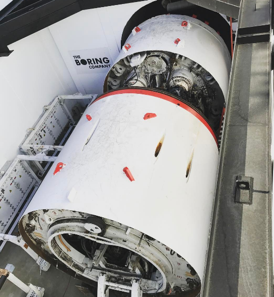 Илон Маск показал ролик с тестирования скоростного тоннеля class=
