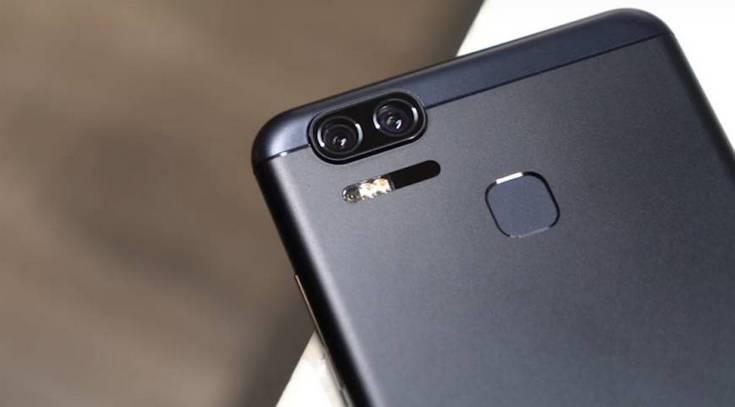 Asus готовит смартфон ZenFone Zoom S, который будет представлять собой уменьшенную копию модели ZenFone 3 Zoom