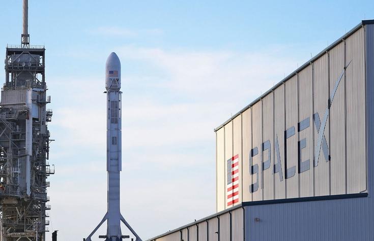 SpaceX начнёт свой масштабный проект по выведению на орбиту тысяч спутников через два года