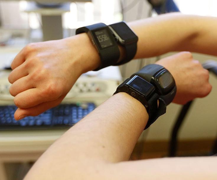 Исследователи изучили работу семи устройств, включая Apple Watch и Samsung Gear S2