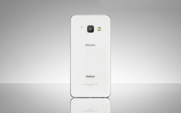 Компания Самсунг представила новый смартфон Galaxy Feel