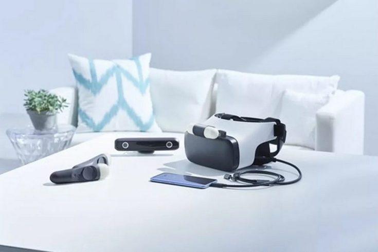 HTC Link — гарнитура виртуальной реальности, использующая смартфон, но при этом оснащённая собственными дисплеями и набором датчиков