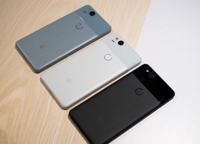 http://www.ixbt.com/short/images/2017/Nov/google-pixel-2-all-3-colors-4.jpg