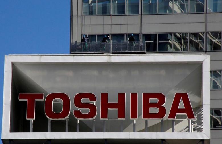 Toshiba рассчитывает привлечь 5,4 млрд долларов отпродажи новых акций