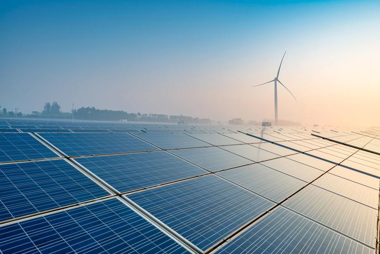 Солнечные электростанции потемпам роста мощностей впервые обогнали угольные