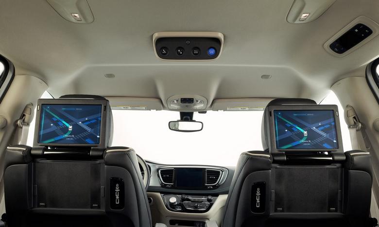 Waymo показала полностью беспилотное авто