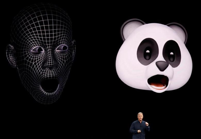 Apple иAnimoji: суд из-за смайликов