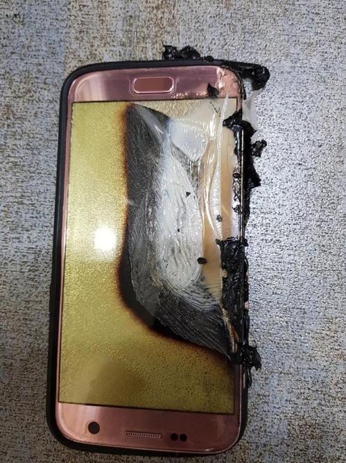 В Корее взорвался смартфон Samsung Galaxy S7