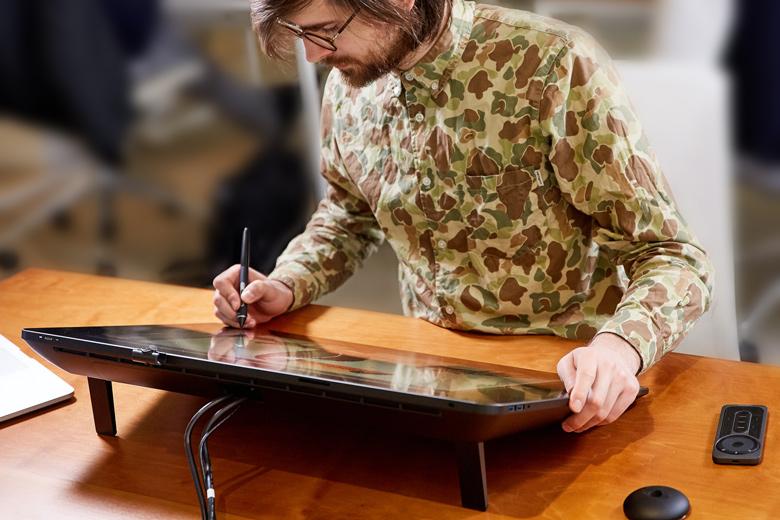 Wacom показала 24-х дюймовый интерактивный экран для живописцев