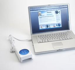 И только компания CoolIT Systems выпустила подставку-охладитель.