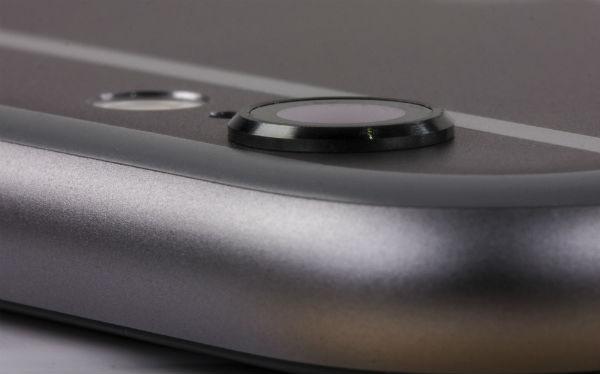 Верхняя грань iPhone 5c