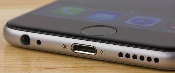 iPhone 5 и два iPhone 5c