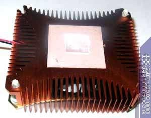 ASUS V9560XT/TD 128MB (64bit)